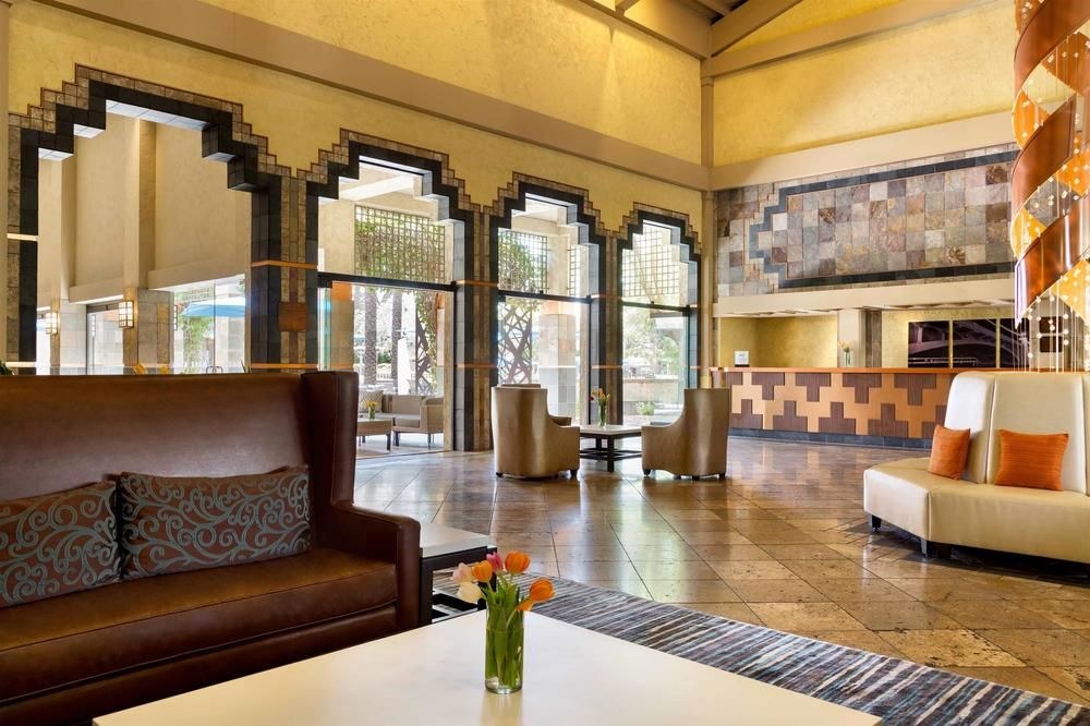 Hilton Scottsdale Resort & Villas Lobby
